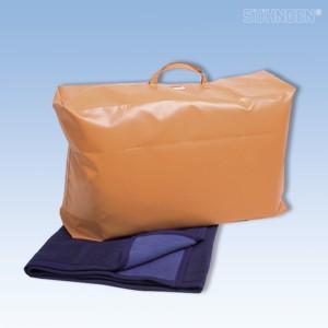 transporttasche gefüllt mit 5 wolldecken rostock | auch